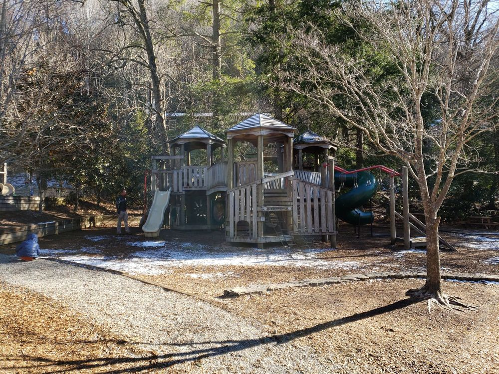Robert Lake Park: 317 Assembly Dr, Montreat, NC