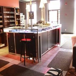 Evolution Vape - CLOSED - Vape Shops - 2323 32 Avenue NE