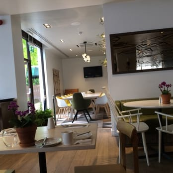 The brasserie and bar brasserie 150 bayswater road for Food and bar jine forbach