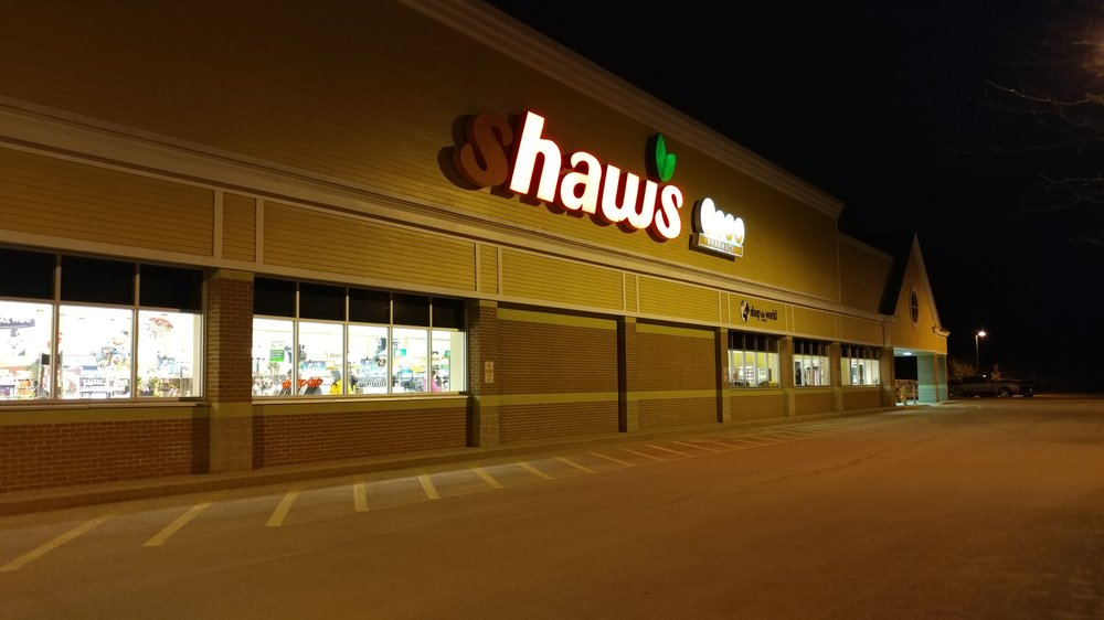 Shaw's: 570 Daniel Webster Hwy, Merrimack, NH