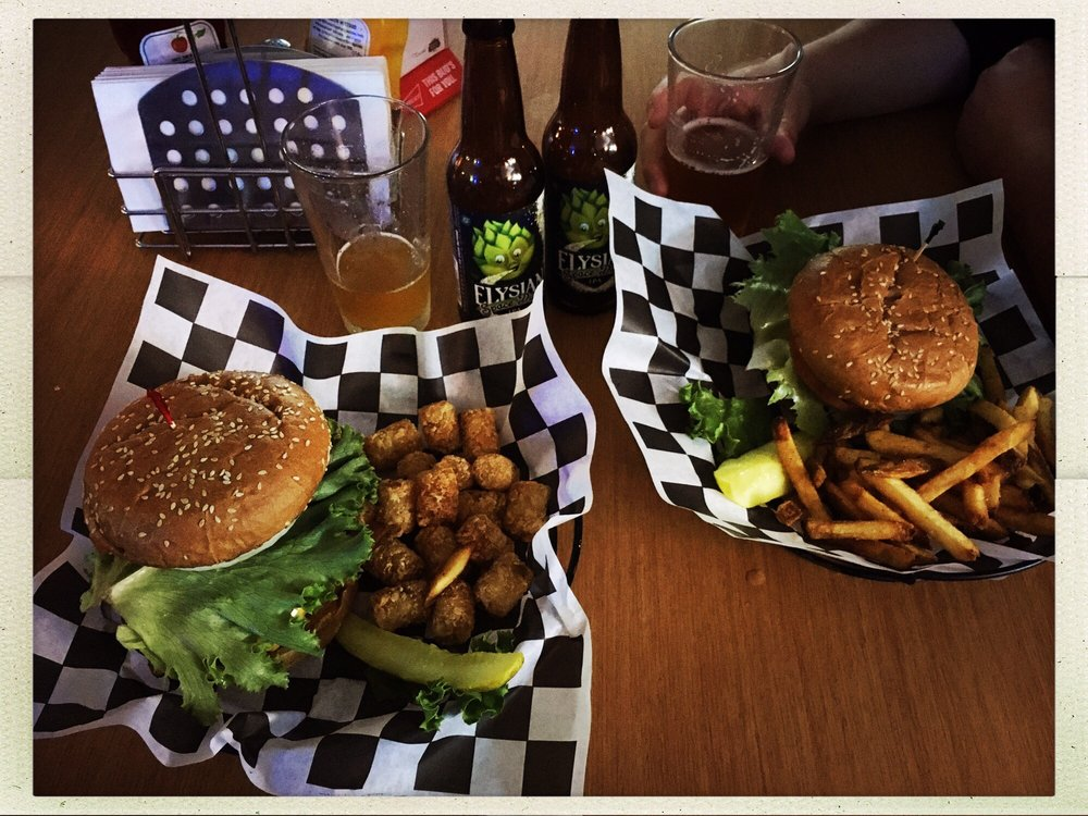 Pit Stop Bar & Grill: 560 Victor St, Barstow, CA