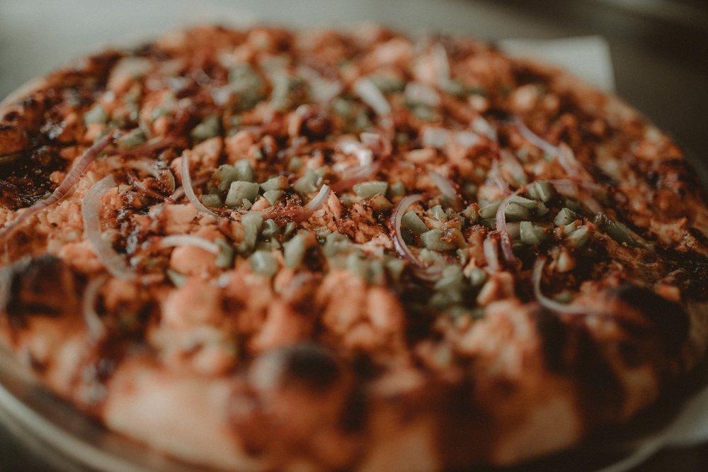 Dough Co Pizza: 2330 University Ave, Des Moines, IA