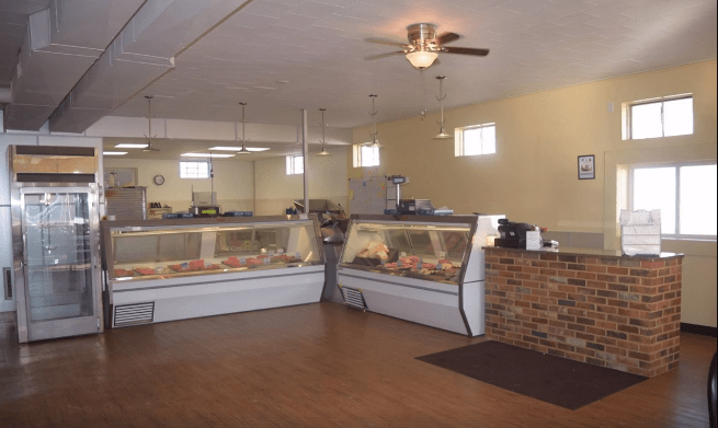 Crooked River Meats: 404 W Main St, Richmond, MO
