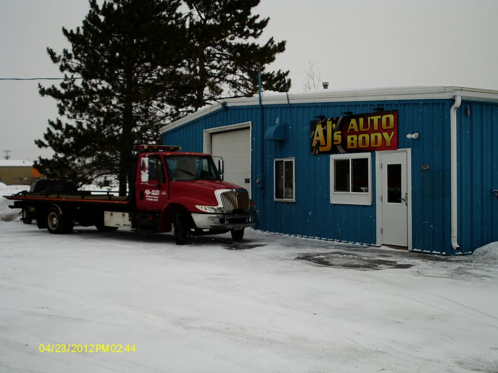 AJ's Auto Body and Towing: 3903 County Rd Q, Amherst Junction, WI