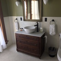 Showers Bed And Breakfast Bloomington