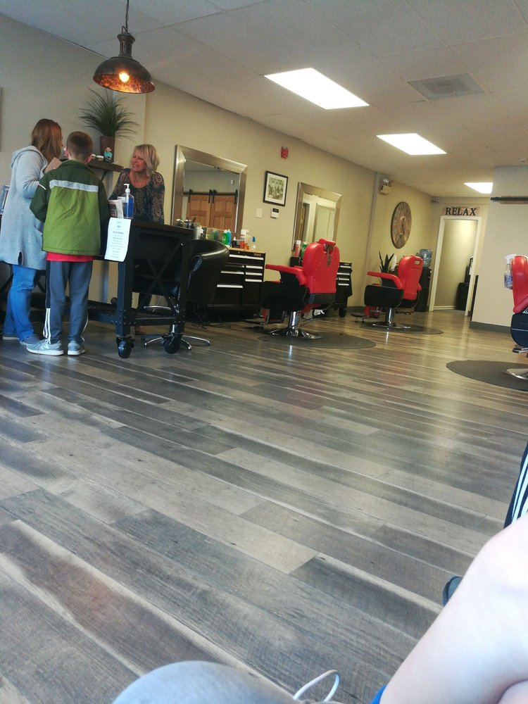 Southbury Barber Shop: 220 Main St S, Southbury, CT