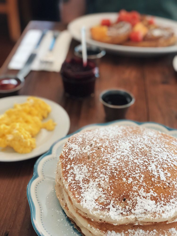 The Cottonwood Cafe: 403 E Hood Ave, Sisters, OR