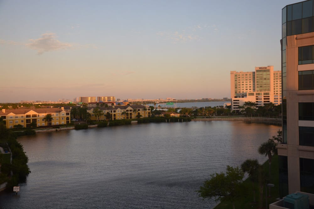 DoubleTree Suites by Hilton Hotel Tampa Bay: 3050 N Rocky Point Dr W, Tampa, FL