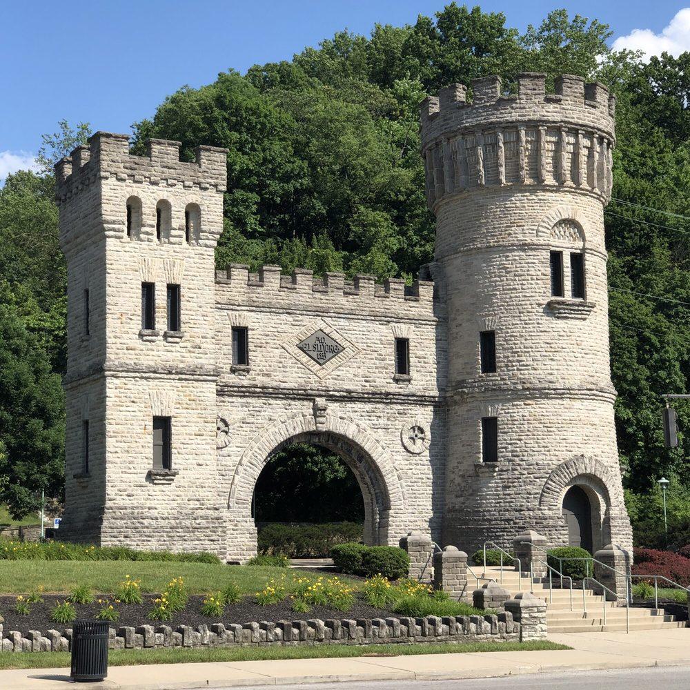 Elsinore Castle: Gilbert Ave Elsinore Pl, Cincinnati, OH