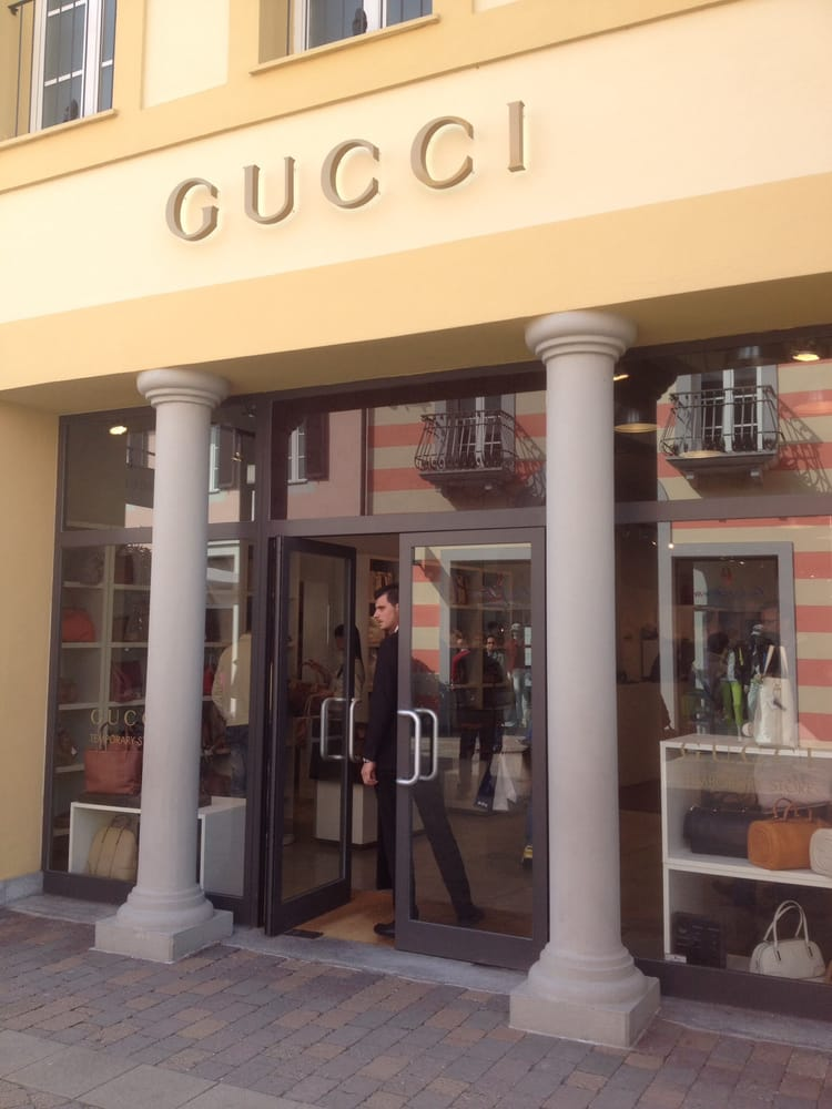 Store gucci yelp for Serravalle designer outlet