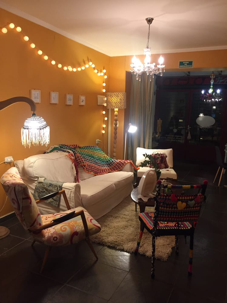 Novelaria Knit Café