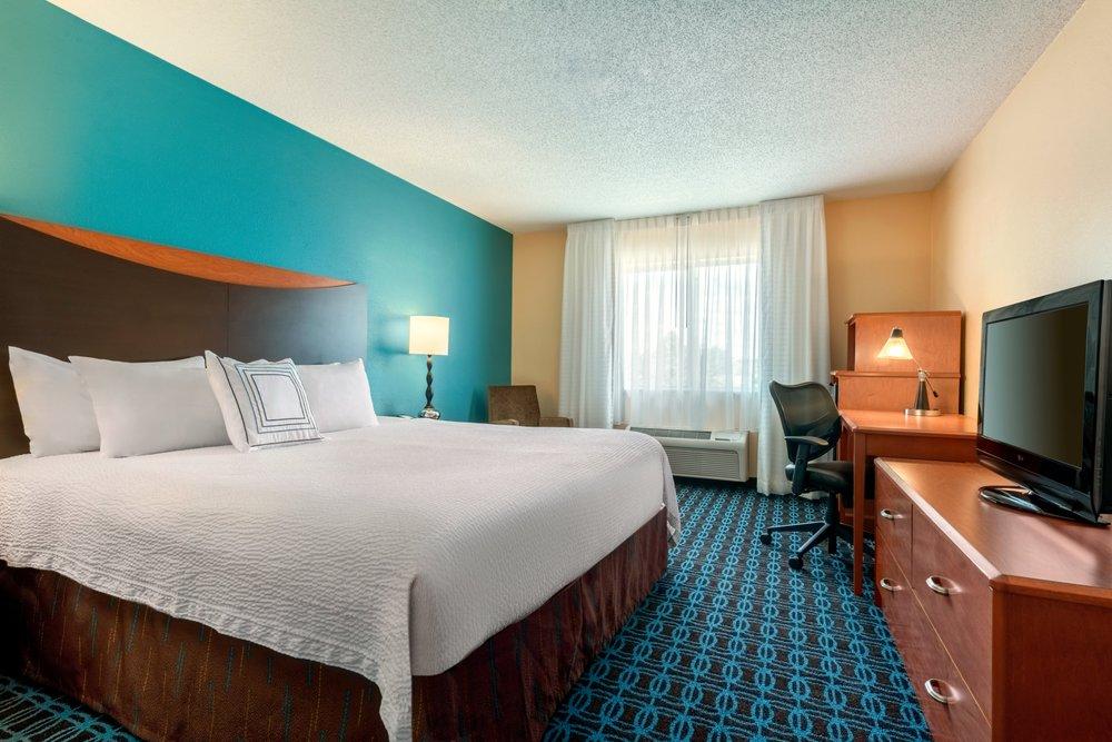 Fairfield Inn & Suites Stevens Point: 5317 US Hwy 10 E, Stevens Point, WI