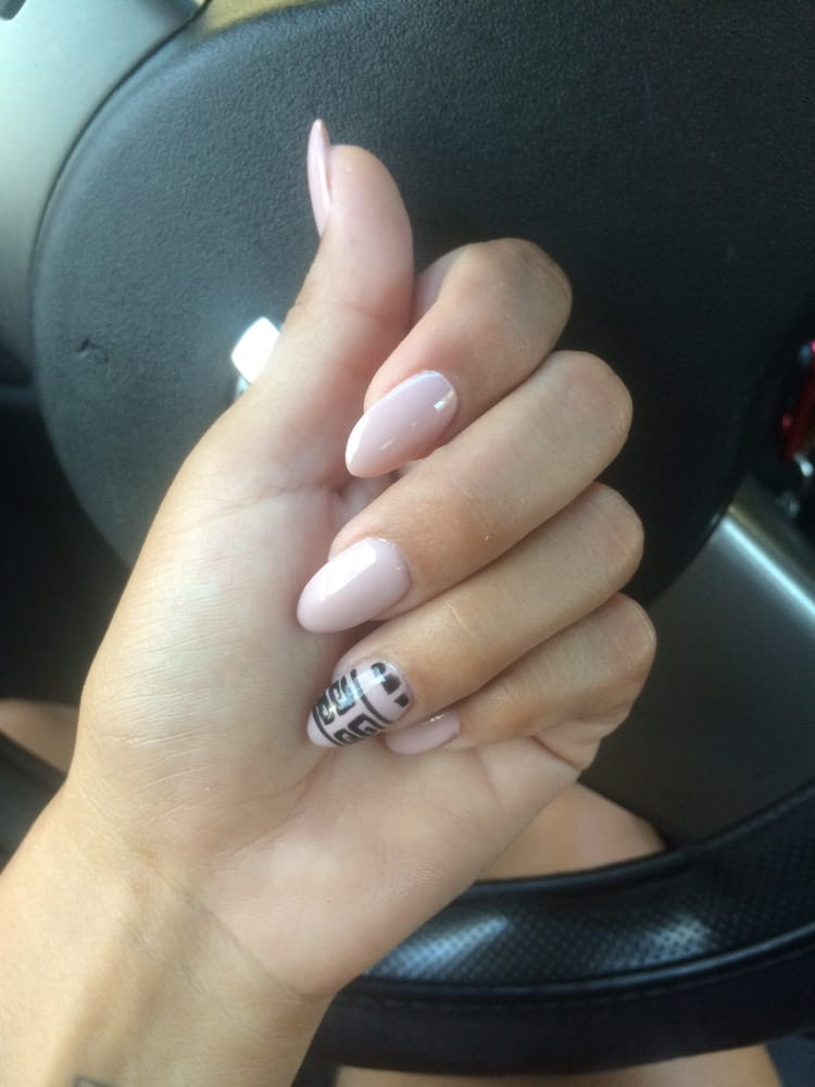 Almond shaped nails Gel color in Tiramisu for Two - Yelp
