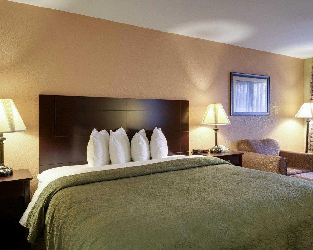 Quality Inn: 3019 E Pkwy Dr, Russellville, AR