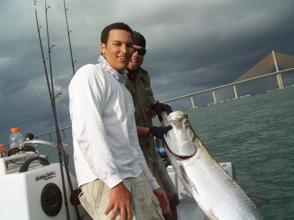 Summer time tarpon fishing at the sunshine skyway bridge for Skyway fishing report