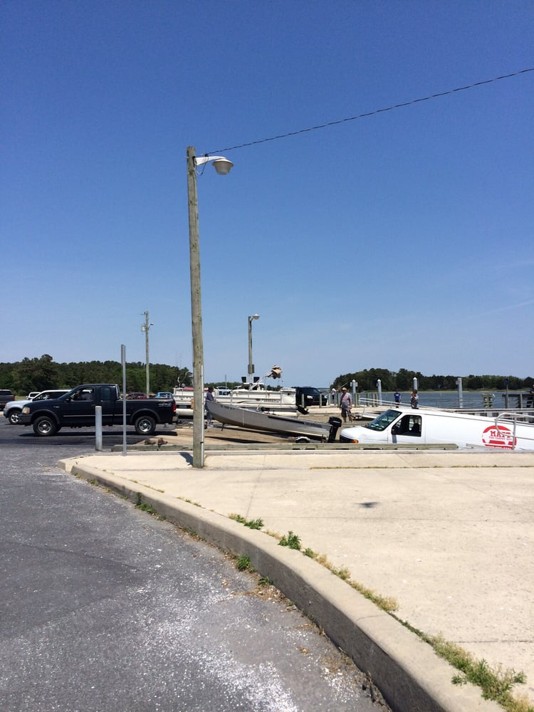 Massey's Landing Boat Ramp and Fishing Pier