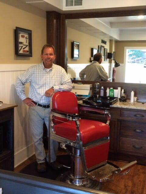 Scott's Barber Shop: 515 W 17th St, Holland, MI