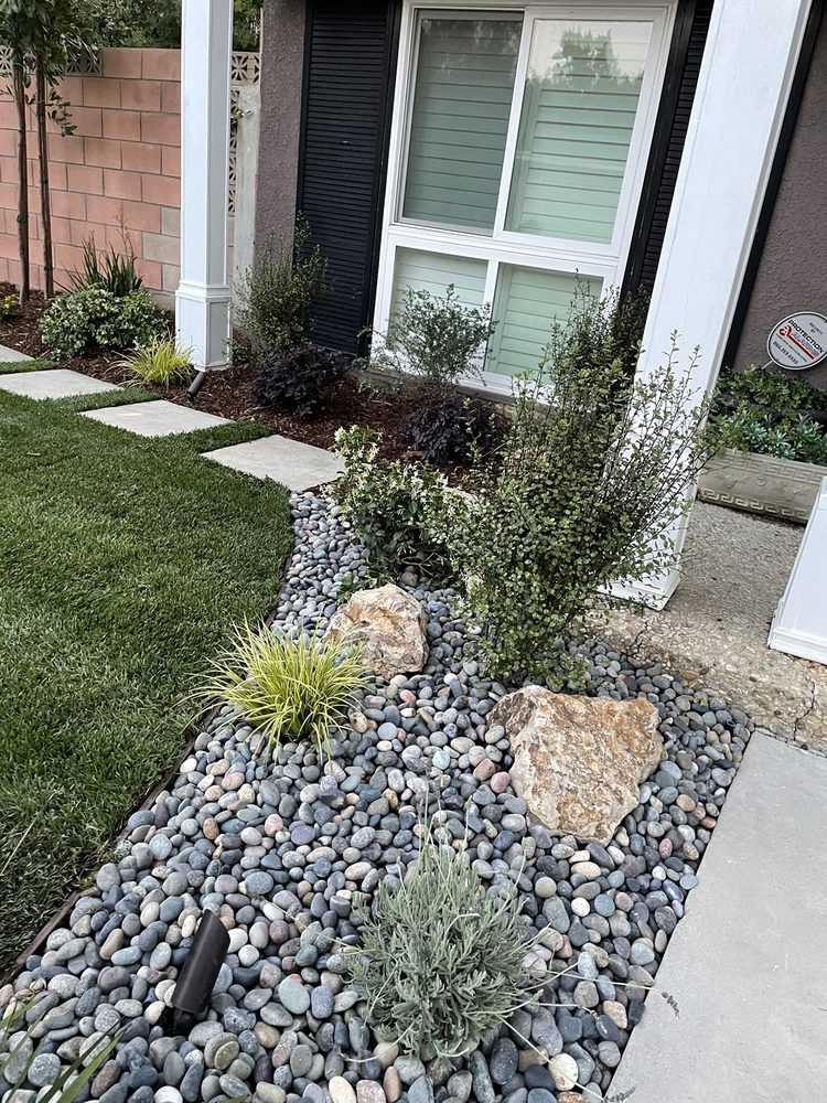 Gardens West Landscaping and Maintenance: West Hills, CA