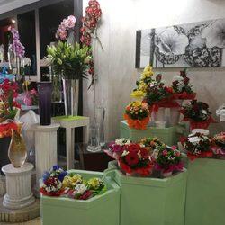Fiori 04100.La Riviera Fiori Flowers Gifts Piazzale Gorizia 17 Latina