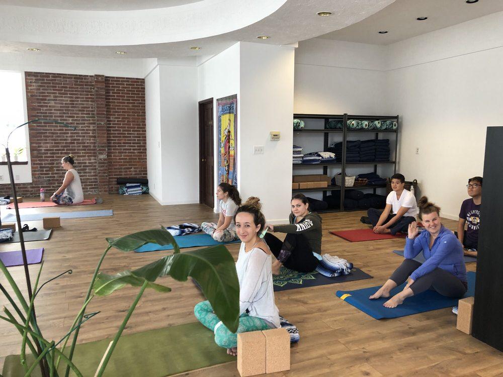 Indigo Moon Yoga: 736 Lebo Blvd, Bremerton, WA