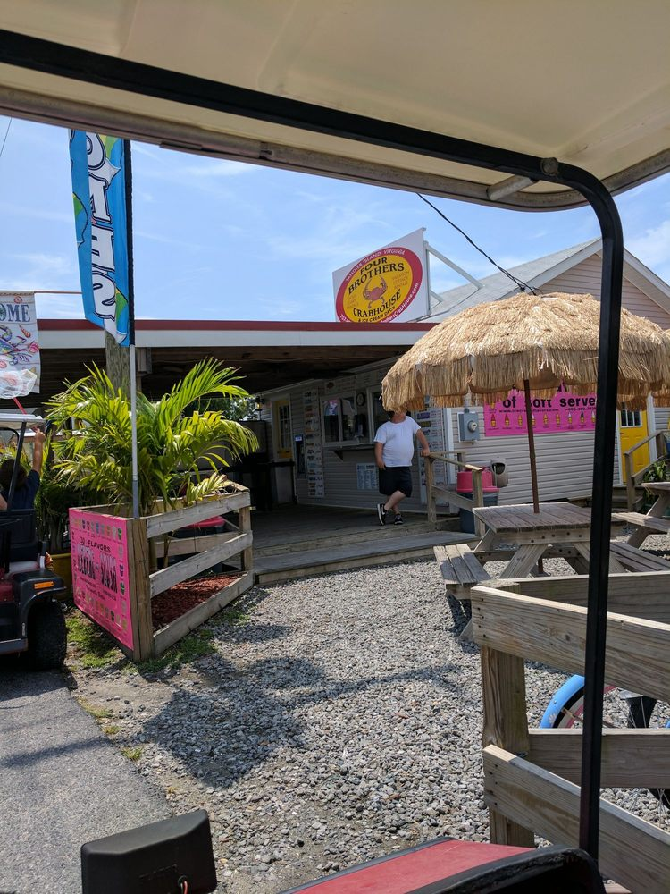 Four Brothers Crab House & Ice Cream Deck: 16128 Main Ridge Rd, Tangier, VA