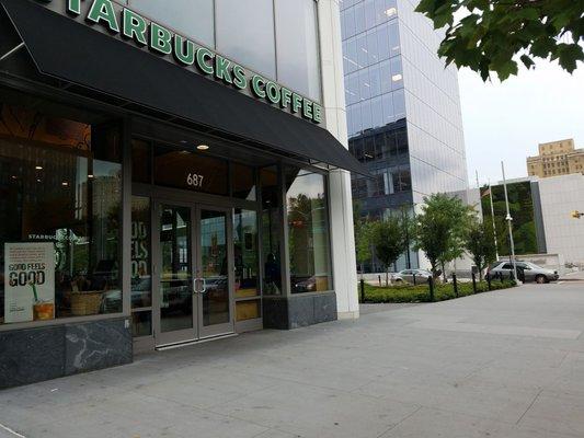 Starbucks - 71 Photos & 49 Reviews - Coffee & Tea - 687