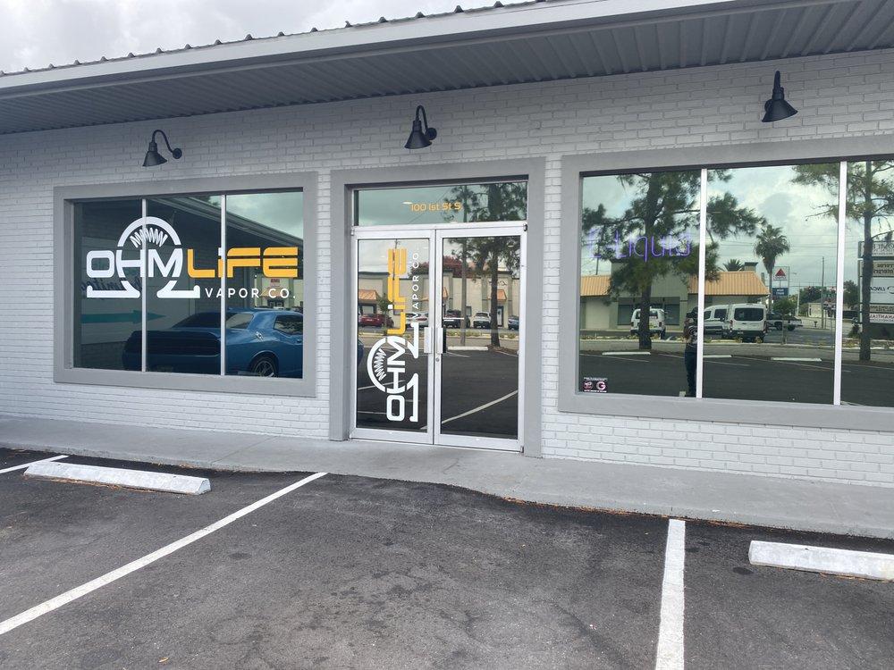 Ohm Life Vapor Co.: 100 1st St S, Winter Haven, FL