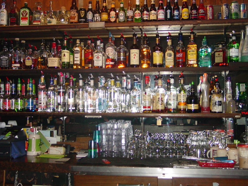 Sundance Saloon: 216 N Main St, Payette, ID