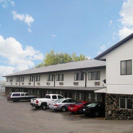 Harlan Inn & Suites: 1148 Hwy 59 N, Harlan, IA