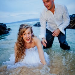 Photo Of Affordable Barefoot Maui Wedding Kihei Hi United States Beautiful Hawaiian
