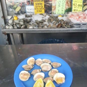 Cosenza s fish market 27 photos 28 reviews seafood for Fish market bronx