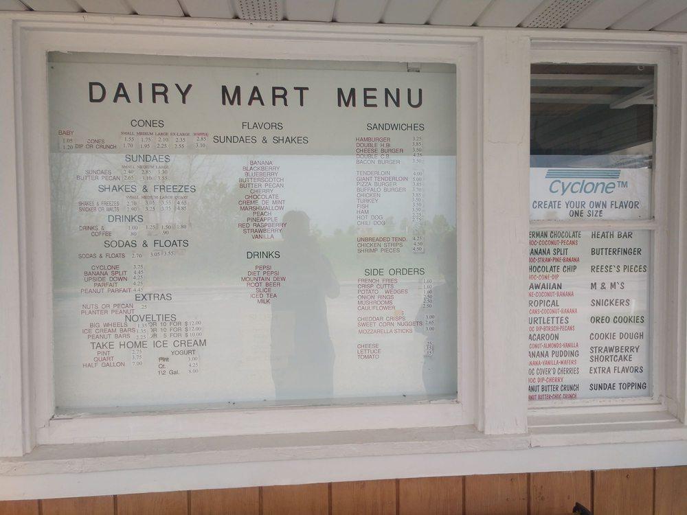 Dairy Mart: 2521 Vine Ave, Ainsworth, IA
