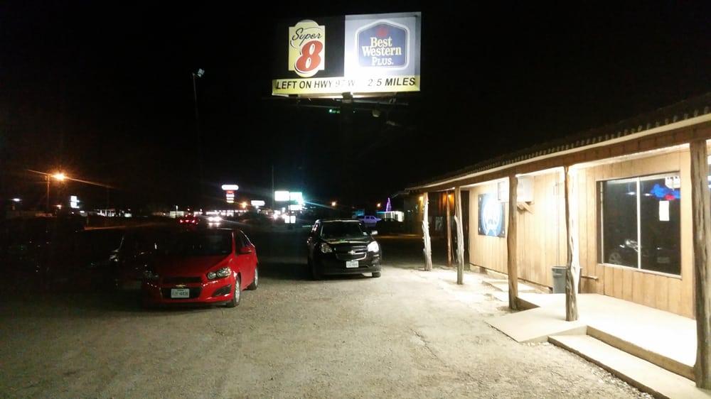 Bar K Ice House: 627 S Main St, Pleasanton, TX