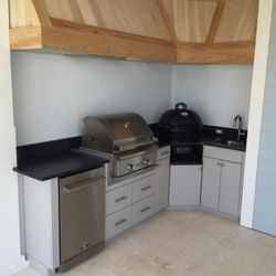 Soleic Outdoor Kitchens Photos Reviews Cabinetry - Outdoor kitchens tampa