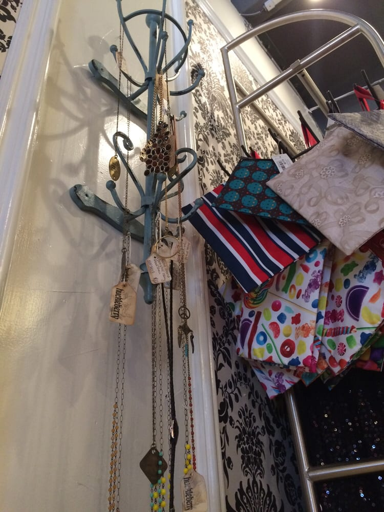 About Us | The Closet Trading Company