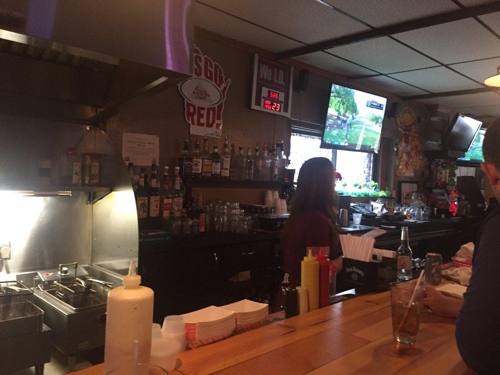 Woody's Bar & Grill: W314N7788 Kilbourne Rd, Hartland, WI