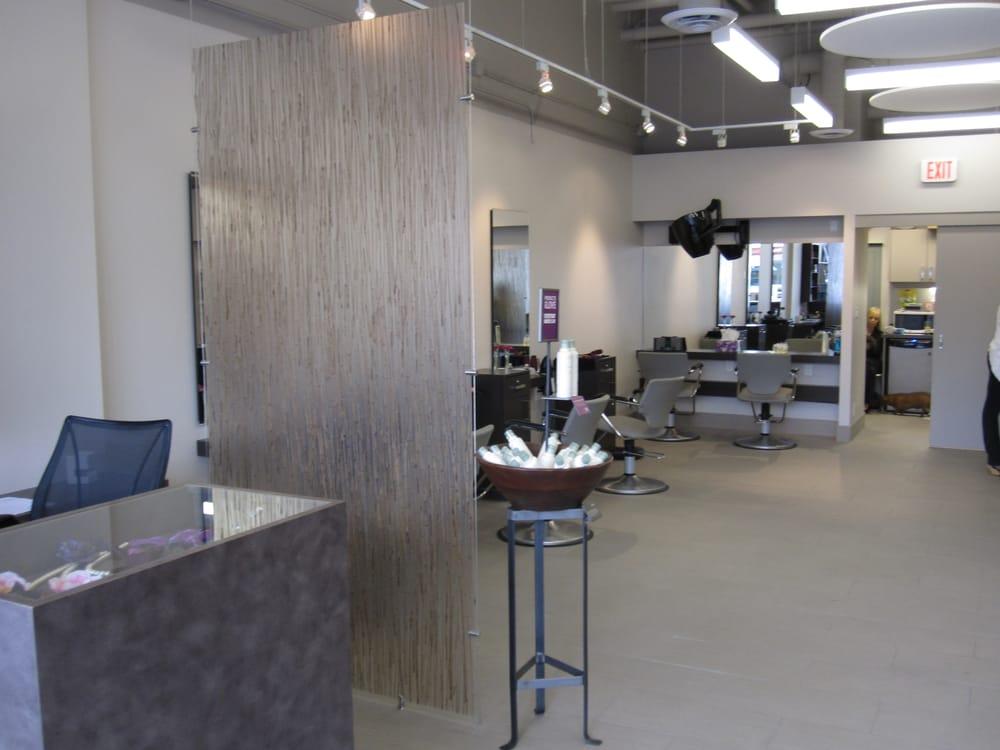 Gliss salon cerrado salones de belleza 2938 4th for A salon vancouver