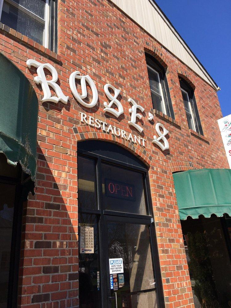 Rose's Pizza: 109 Bank St, Boydton, VA