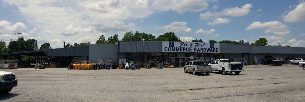 Fix and Feed: 2550 Mangum St, Commerce, TX