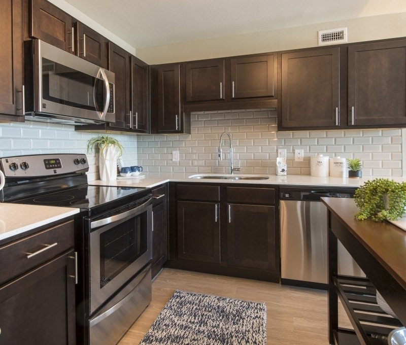 Saddle Creek Apartments: Photos For The Cabochon At River Oaks Apartments