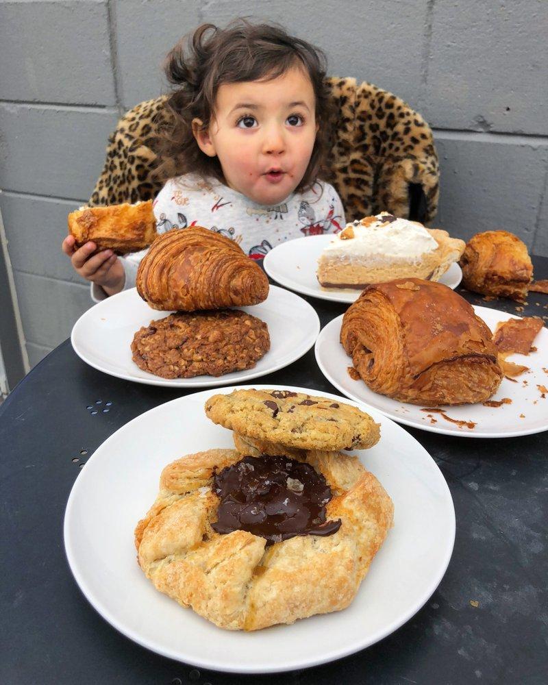 Dozen Bakery
