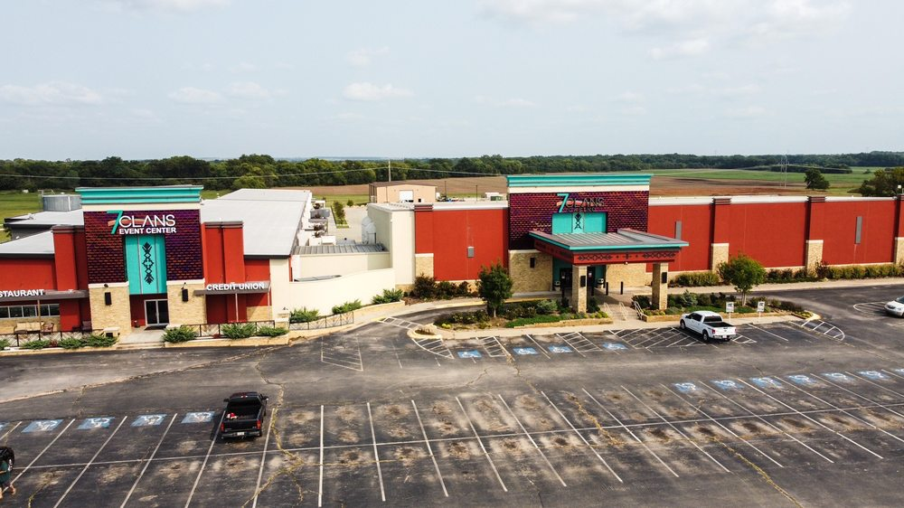 7 CLANS GASINO RED ROCK: 8401 Hwy 177, Red Rock, OK