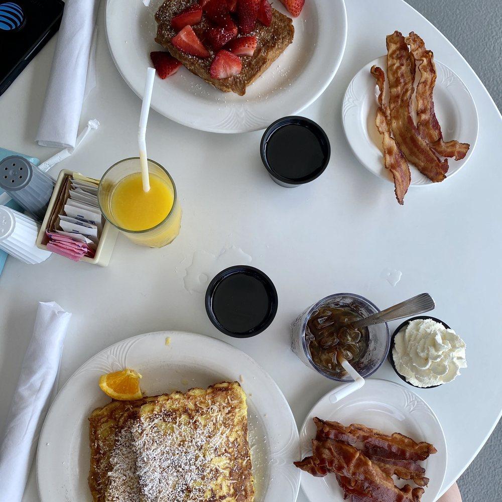 Cafe Beach Club: 1282 Boardwalk, Ocean City, NJ
