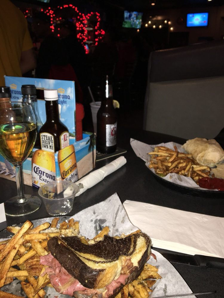 Food from Shakers Bar & Grill