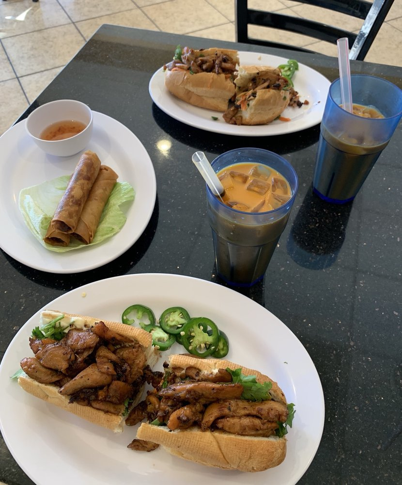 Pho Na Vietnamese Cuisine: 14220 Palm Dr, Desert Hot Springs, CA