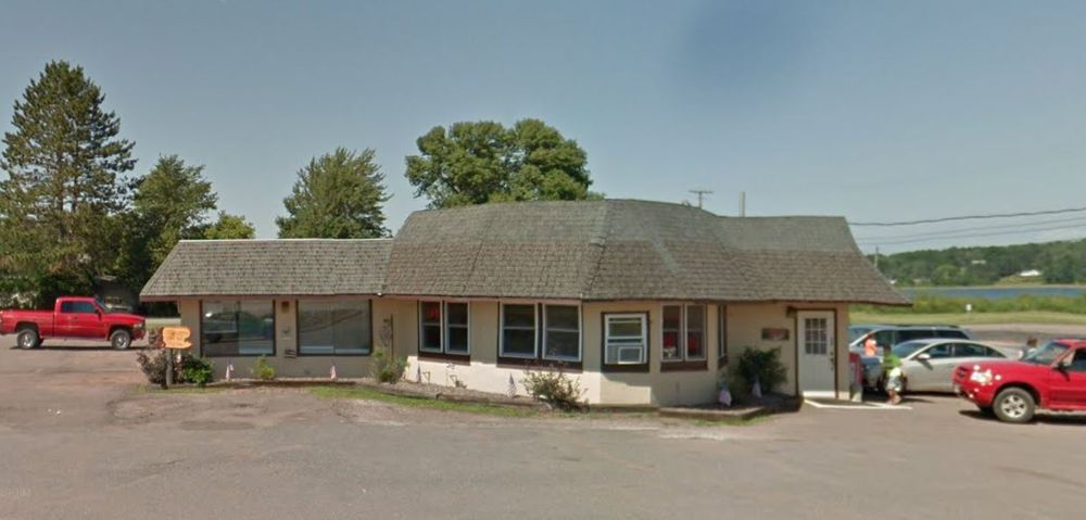 906 Cafe: 214 US Hwy 2, Wakefield, MI