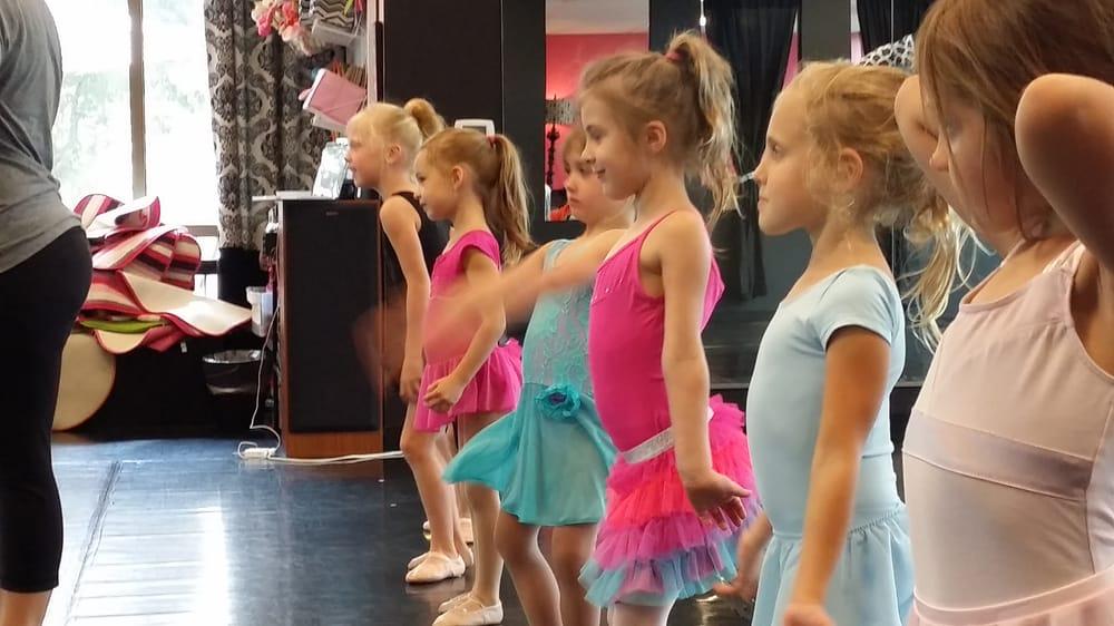 The Dance Space: 2800 Village Pkwy, Highland Village, TX