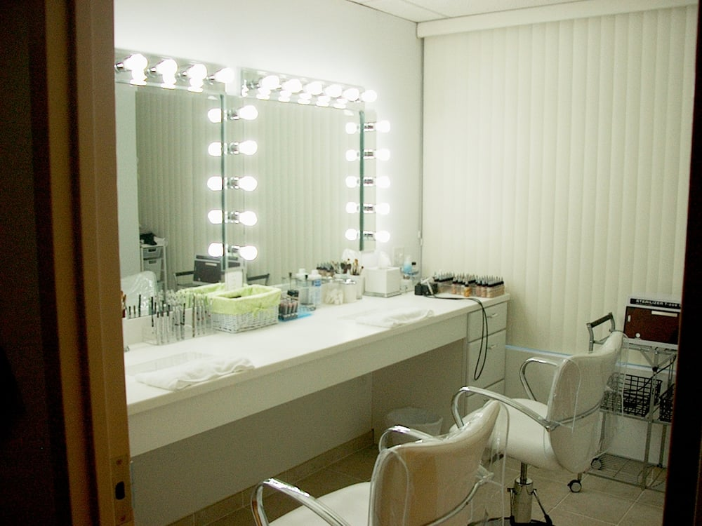 state of the art uhd tv makeup studio two makeup stations with