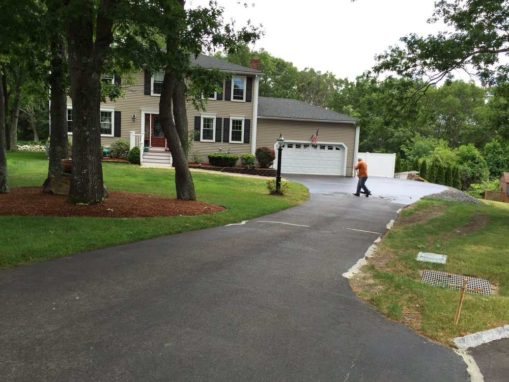 Paving & Sealcoat Solutions: Bellingham, MA
