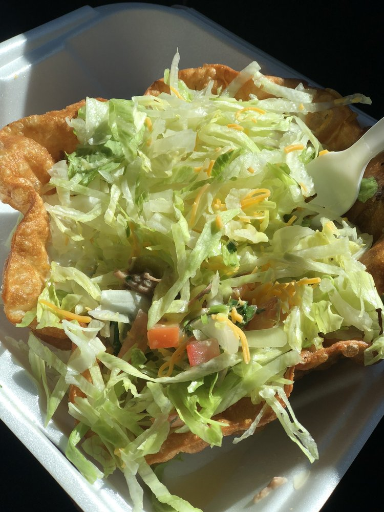 Roberto's Mexican Food: 1693 Great Basin Hwy, Ely, NV